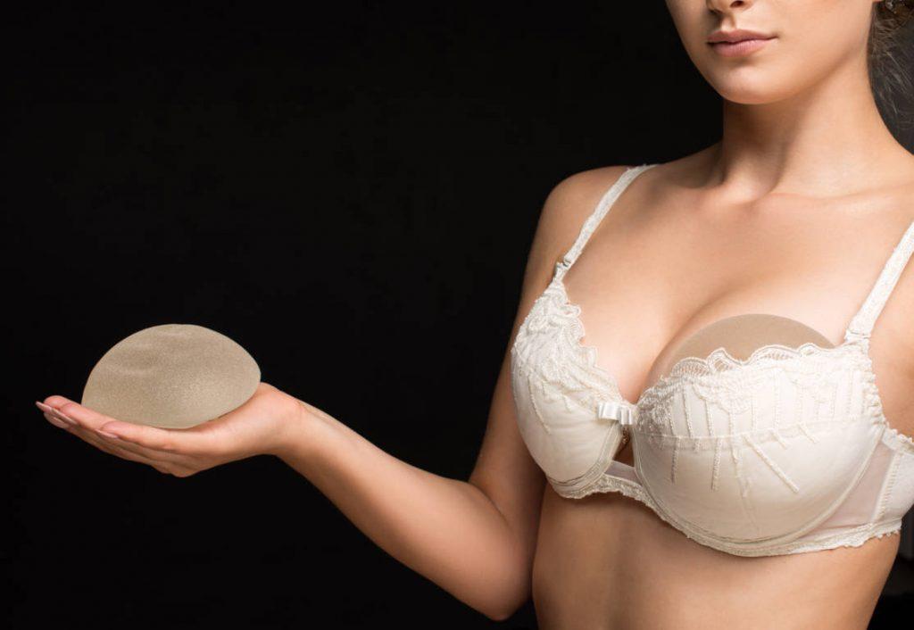 risques liés aux implants mammaires